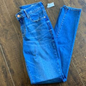 NWT Old Navy Rockstar mid-rise size 4